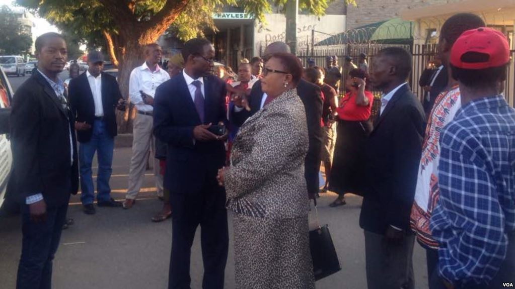 Thokozani Khupe, Nelson Chamisa MDC Formation in Court Over Party
