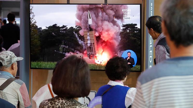 North Korea fires projectiles after offering talks with US
